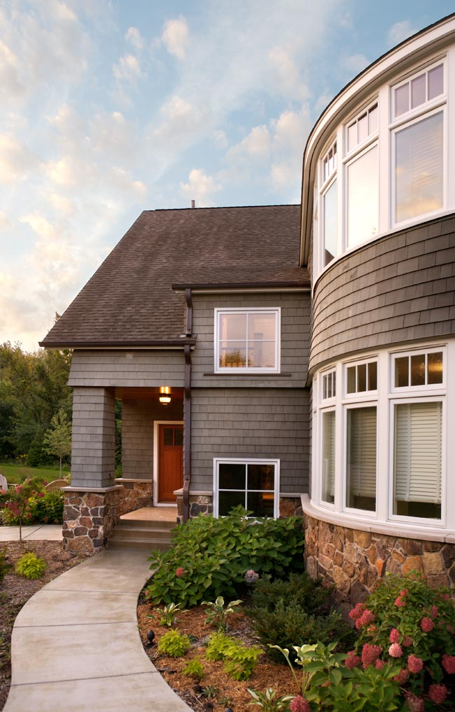 Aune/Miller Residence: The entry and rounded wall