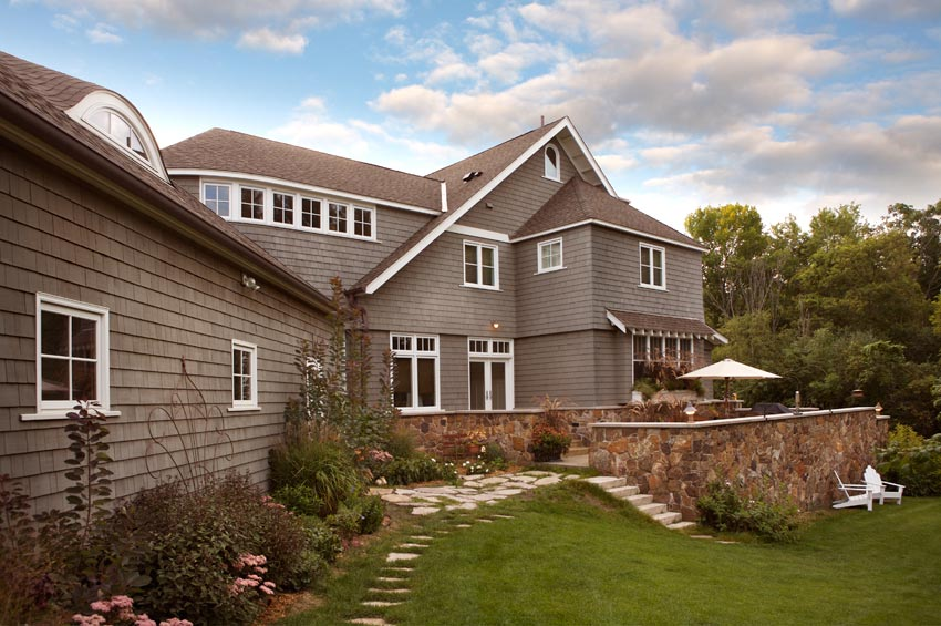 Aune/Miller Residence: The terrace and garden in the rear