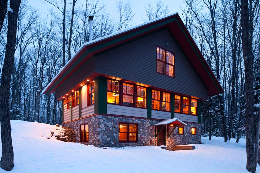 Gorham Ski Shack: Evening winter scene from the walk-out side