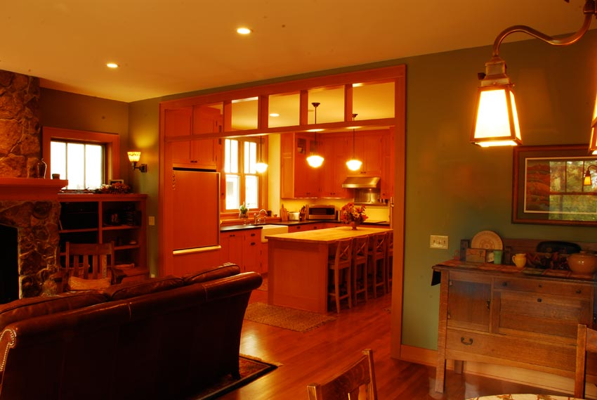 Habeck/Steen Residence: Looking toward the kitchen from the dining area